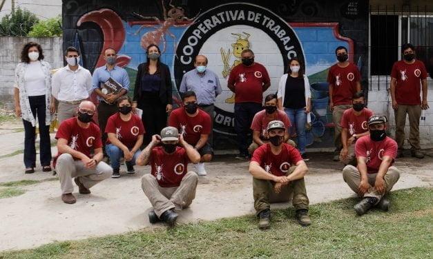 El intendente Mussi y la subsecretaria pyme bonaerense en cooperativas de Berazategui