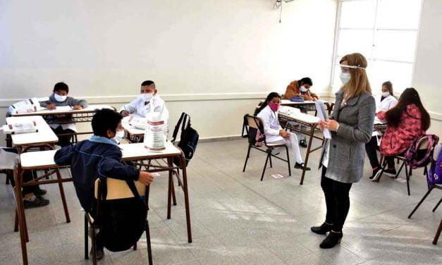 La provincia aclaró que las clases presenciales no se suspenden. Fue una falsa noticia