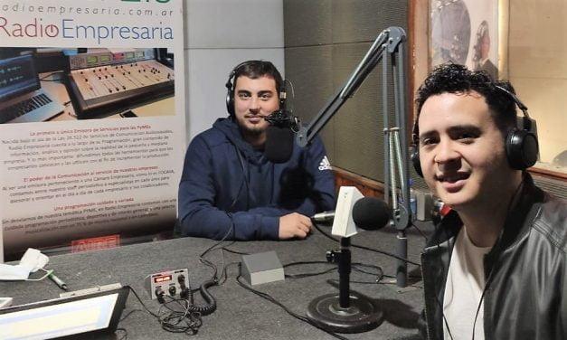 Seba Purgart vuelve a conducir en Radio Empresaria y lleva al aire su portal «Varela Informa»